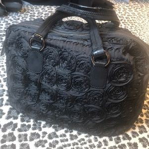 Black Roses, it's so gorgeous Valentino hand bag!